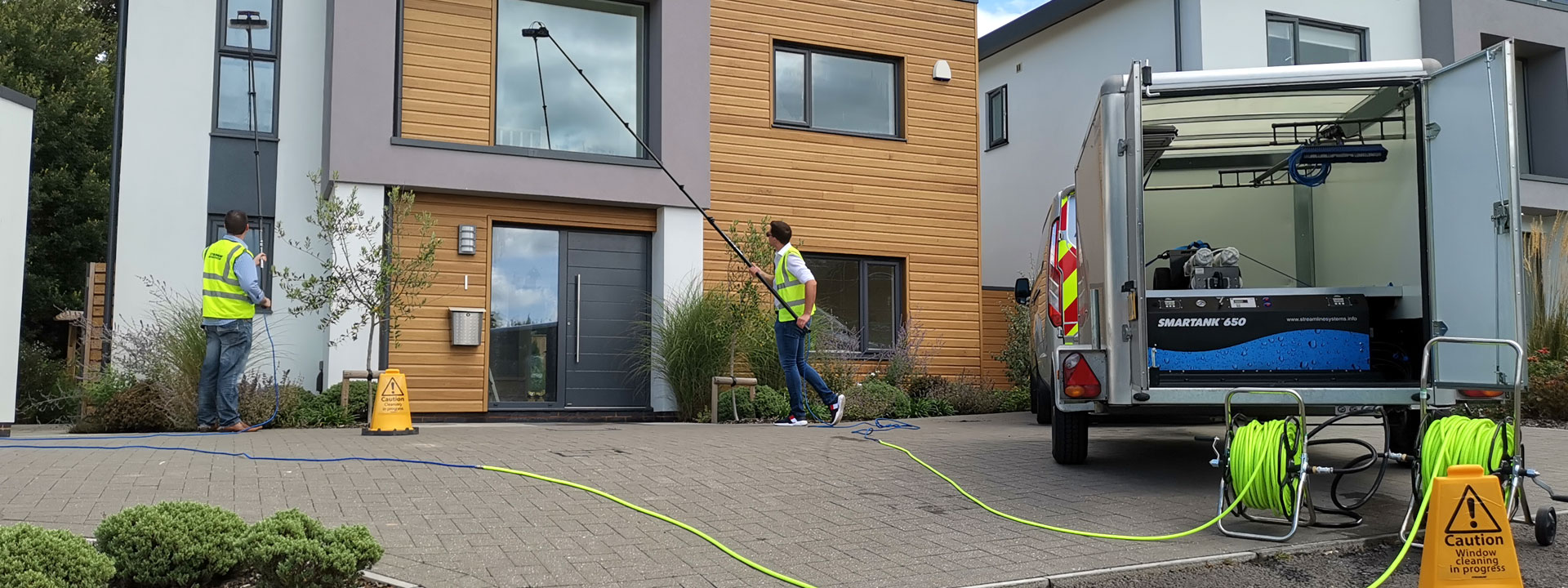 window-cleaning-at-height-streamline